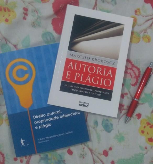 Foto das capas de livros sobre plágio.